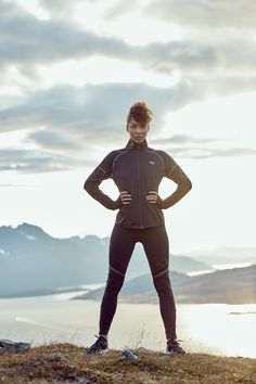 The Kari Traa Emilie H/Z is a half zip garment with the protection and comfort you need for fall or winter runs. Ski Fashion, Wetsuit, Skiing, Workout, Swimwear, Clothes, Style, Scuba Wetsuit, Ski