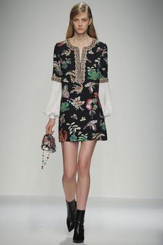 Andrew Gn Spring 2016 Ready-to-Wear Fashion Show d10c2b2b0b