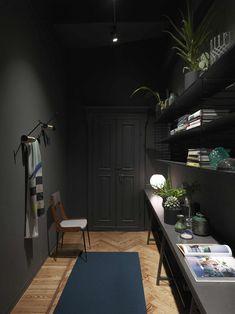 Stunning Como apartment with a dark kitchen - via Coco Lapine Design blog