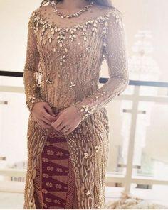 48 Ideas Dress Hijab Motif For 2019 Kebaya Lace, Kebaya Hijab, Kebaya Brokat, Batik Kebaya, Kebaya Dress, Kebaya Muslim, Myanmar Traditional Dress, Traditional Dresses, Kebaya Wedding