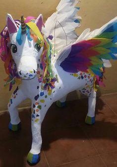 Unicornio Unicorn Pinata, Unicorn Party, Pinterest Diy Crafts, Horse Birthday Parties, Paper Mache Animals, Diy Party Supplies, Paper Mache Sculpture, Happy Birthday Jesus, Unicorn Crafts