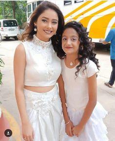 Sriti Jha, Lace Wedding, Wedding Dresses, Fashion, Bride Dresses, Moda, Bridal Wedding Dresses, Fashion Styles, Weeding Dresses