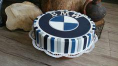 BMW cake Pretty Cakes, Cute Cakes, Beautiful Cakes, Amazing Cakes, 3d Cakes, Fondant Cakes, Cars Cake Design, Bmw Cake, Tart