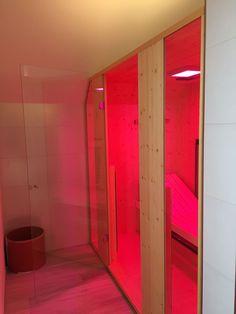 Trend W rmekabine im Badezimmer diese Infrarotkabine mit Tiefenw rme wurde in ein Badezimmer integriert Durch ihre