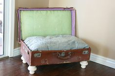 Dog bed out of an old suitcase-wow I just threw away some suit case like that! >:-(. o well, need to get my OWN dog first!