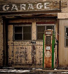 Only garage and gas pump. places where has on the things people abandoned. Abandoned Buildings, Abandoned Houses, Abandoned Places, Old Gas Pumps, Vintage Gas Pumps, Station Essence, Pompe A Essence, Old Garage, Garage Doors