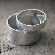 Hammered Bands Wedding Ring Set by PraxisJewelry on Etsy Praxis Jewelry
