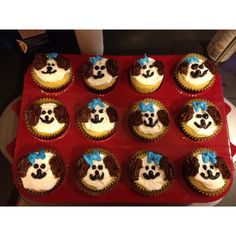 Puppy cupcakes 2 Year Old Birthday, 7th Birthday, Birthday Ideas, Puppy Cupcakes, Breakfast, Board, Desserts, Recipes, Morning Coffee