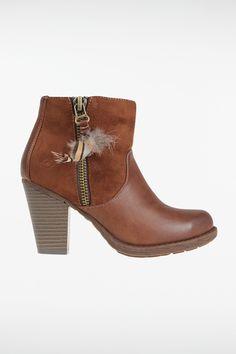 c2ca3a3e9054 38 meilleures images du tableau chaussures   Boucle d oreille ...