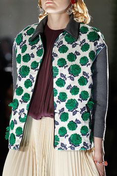 Prada Spring 2012 Ready-to-Wear Collection Slideshow on Style.com
