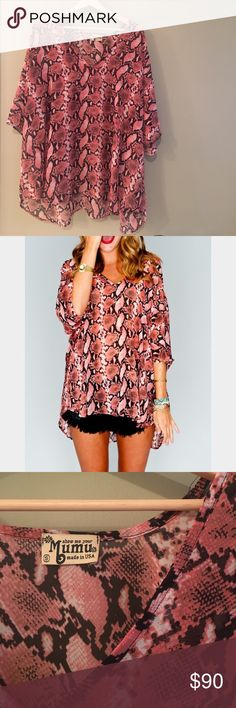 Sho Me Your Mumu Shook Tunic in Pink Python IN PERFECT CONDITION Show Me Your MuMu Tops Tunics