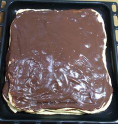 Prajitura cu foi si crema fiarta de cacao - Bunătăți din bucătăria Gicuței Food Cakes, Cake Recipes, Sweets, Desserts, Romanian Recipes, Pastries, Cakes, Dump Cake Recipes, Sweet Pastries