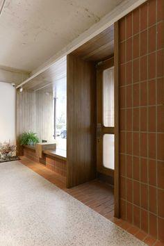 plainoddity Interior Design Shows, Retail Interior Design, Cafe Interior, Habitat Groupé, Beach House Bathroom, Shop Facade, Life Space, Garage Renovation, Cafe Design