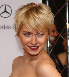 Lena Gercke at 15th Aids Gala at Deutsche Opera Berlin - close up