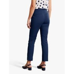Update your everyday wardrobe with these Hampshire 7/8 trousers from Boden. In a clean skinny-fit silhouette, these trousers are crafted from a smart Ponte Jersey material that elegantly skims the figure and are finished with pleat detailing through the front. Style with a lightweight blouse for an effortlessly chic vibe. New Street Style, Hampshire, Skinny Fit, Capri Pants, Trousers, Silhouette, Chic, Blouse, Fitness