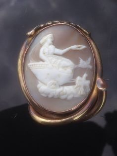 Antique Rolled Gold Pinchbeck Aphrodite Chariot Birds Large Shell Cameo Brooch