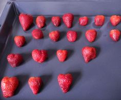 The Best Methods How to Freeze Strawberries. Fresh Strawberries can be Frozen Whole, Sliced or Crushed.