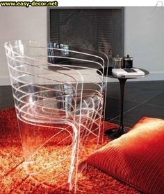 Using transparent furniture is a clever option when you want to optimize space visually, while maintaining its functionality. Transparent tables or Trendy Furniture, My Furniture, Furniture Design, Diy Design, Glass Chair, Acrylic Chair, Acrylic Furniture, Contemporary Chairs, Interior Decorating