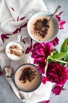 spaldova krupicova kasa | semolina porridge photography Acai Bowl, Red Velvet, Breakfast, Photography, Food, Acai Berry Bowl, Morning Coffee, Photograph, Fotografie
