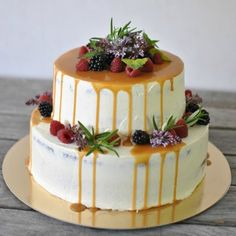 Layer cake with caramel by Kettu & Raparperi