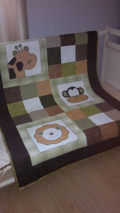 Best 12 Green and yellow frog quilt Baby Patchwork Quilt, Baby Boy Quilts, Colchas Quilting, Quilting Projects, Sewing Patterns Free, Quilt Patterns, Baby Presents, Animal Quilts, Contemporary Quilts