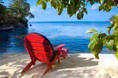 Plages de sable fin, végétation tropicale, cascades … Les bonnes raisons de passer sa lune de miel en Jamaïque sont infinies tant cette île spectaculaire offre des paysages variés : montagnes, baies, mangroves. Nous vous proposons un circuit de 3 hôtels, de Paradise Park à San Beach sur la côte est en passant par les Blue Mountains, pour découvrir toutes les beautés de l'île et passer une lune de miel inoubliable, romantique et hors des sentiers battus.