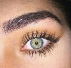 Have you ever wished for thick beautiful and curled eyelashes? Most Beautiful Eyes, Stunning Eyes, Pretty Eyes, Cool Eyes, Long Lashes, Eyelashes, Eyebrows, Green Eyes, Blue Eyes