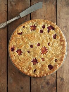 This is a new entry from December 1 2017 In recent times the decoration of pies Cute Food, Yummy Food, Tasty, Just Desserts, Dessert Recipes, Winter Torte, Pie Crust Designs, Pie Decoration, Pies Art