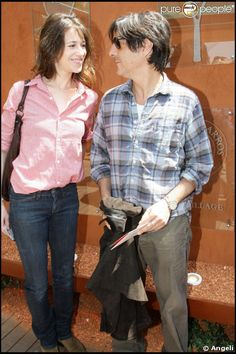 Charlotte Gainsbourg and Yvan Attal at Roland Garros (2009) #charlotteGainsbourg #yvanattal
