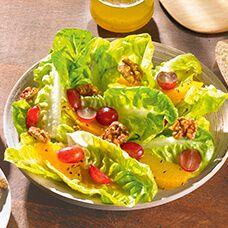 Salatherzen mit Walnüssen und Trauben