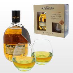 Das Set bestehend aus 2 gravierten Whisky-Gläsern und einem Glenrothes Select Reserve Single Malt Whisky ist ein perfektes Geschenk für Whiskyliebhaber und Gentlemans.
