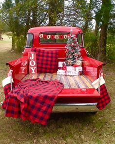 Vintage Truck Christmas Photoshoot Ideas For 2019 – 2020 Merry Christmas Christmas Red Truck, Christmas Tree Farm, Christmas Minis, Christmas Photo Cards, Plaid Christmas, Christmas 2016, Christmas Car Decorations, Lularoe Christmas, Scandi Christmas