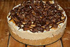 No-Bake Hot Fudge Rolo Cheesecake