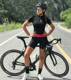 Best Picture For maap Cycling Women For Your Taste You are looking for something, and it is going to Road Bike Women, Bicycle Women, Bicycle Girl, Cycling Girls, Road Cycling, Female Cyclist, Gym Clothes Women, Girls In Leggings, Sports Women
