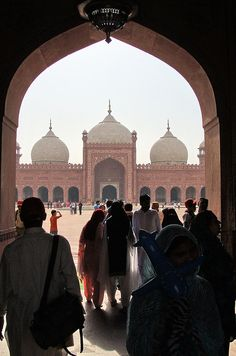 The Badshahi Mosque (بادشاھی مسجد) or the 'King's Mosque' in Lahore, commissioned by the sixth Mughal Emperor Aurangzeb in 1671 and completed in 1673, is the second largest mosque in Pakistan and South Asia and the fifth largest mosque in the world. Epitomising the beauty, passion and grandeur of the Mughal era, it is Lahore's most famous landmark and a major tourist attraction.
