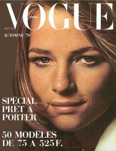 Le numéro d'août 1970 de Vogue Paris avec Charlotte Rampling