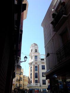 Calle Mesones con la Plaza del Reloj al fondo #MarcaTalavera Plaza, Times Square, Travel, Street, Viajes, Destinations, Traveling, Trips