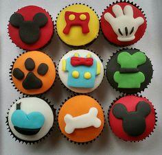 Mini cupcake turma do Mikey. <br>Acompanha saquinho e fita. <br>Pedido mínimo, 20 unidades. <br>Obs: somente retirada ou sedex 10.