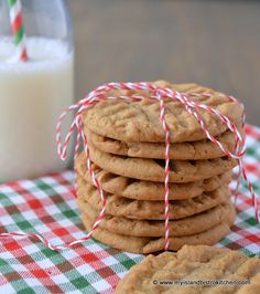 These Molasses Spice Cookies have a wonderful blend of spices and a slightly soft and chewy texture. Molasses Cookies, Spice Cookies, Cookie Bars, Cookie Recipes, Dessert Recipes, Desserts, Rich Recipe, Cookie Time, Cookies Ingredients