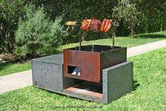 Cuerpo de hormigón armado y chapa de hierro de 3.2. mm.  Fogón, asador, spiedo y parrilla que al cerrarse funciona, también, como mesa ratona o banco.