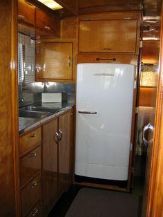 Vintage Travel Trailer Interiors   Kitchen Sink   Vintage Traileritis