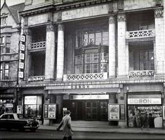 Built as the Picture House in Fire in rebuilt and reopened in 1925 exactly the same but with first Wurlizer in the UK. Renamed Gaumont in renamed Odeon Modernized interiors destroyed by fire 1971 Cinema Uk, Cinema Theatre, Movie Theater, Old Pictures, Old Photos, Walsall, West Midlands, The Good Old Days, Old Town