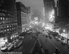 An overhead view of Times Square at night, New York City, New York, 1937 Vintage Pictures, Old Pictures, Old Photos, Retro Photography, City Photography, Photography Ideas, Art Deco Buildings, Vintage New York, Vintage Photographs