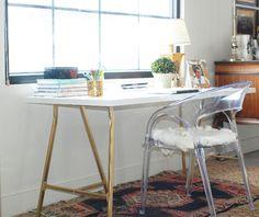 Little Green Notebook: White and Gold Design - Ikea desk diy Scandinavian Style, Affordable Furniture, Diy Furniture, Annie Sloan, Ikea Legs, Hack Ikea, Ikea Linnmon, Home Office, Trendy Tree