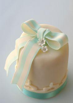 Mini Cake with white Light Tiffany Blue.