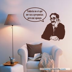 """Vinilos decorativo Personajes / Cine - """"Groucho Marx"""" conocido principalmente por ser uno de los miembros de los hermanos Marx. Es considerado el cómico más influyente de todos los tiempos, siendo sus frases, a pesar del paso del tiempo, destacadas en la cultura pop por generaciones. Se entrega en una pieza de 56x100 cm, formando un diseño aproximado de 100x80 cm. Incluye espátula e instrucciones de colocación. Precio 37,95 € #retovinilo #vinilosdecorativos #vinilos #personajes #cine… Mi Life, Lol So True, Clint Eastwood, Joker, Kaizen, Cultura Pop, Humor, Serif, Funny"""