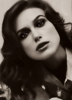 Keira showing retro beauty #black and #white