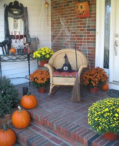 """21 Rosemary Lane: Decorating the Front Porch for Halloween...A """"Witch's"""" Welcome"""
