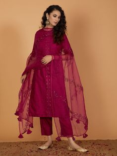 Magenta Printed Chanderi Kurta with Pants and Organza Hand Embroidered Dupatta- Set of 3 Source by harithaprasadp dresses indian Women's Dresses, Indian Gowns Dresses, Stylish Dresses, Fashion Dresses, Shadi Dresses, 90s Fashion, Party Dresses, Pakistani Fashion Casual, Pakistani Dresses Casual
