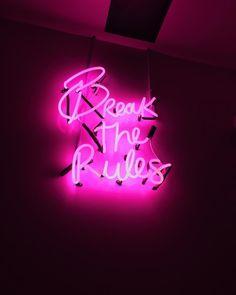 NEW COLLECTION van met te leuke neon truien, neon buckle belts , neon tie dye shirts en nog veel meer! Neon Wallpaper, Aesthetic Pastel Wallpaper, Aesthetic Wallpapers, Bedroom Wall Collage, Photo Wall Collage, Picture Wall, Neon Signs Quotes, Neon Words, Pink Photo